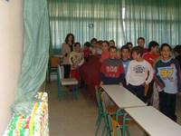 Στον κεντρικό χώρο του σχολείου